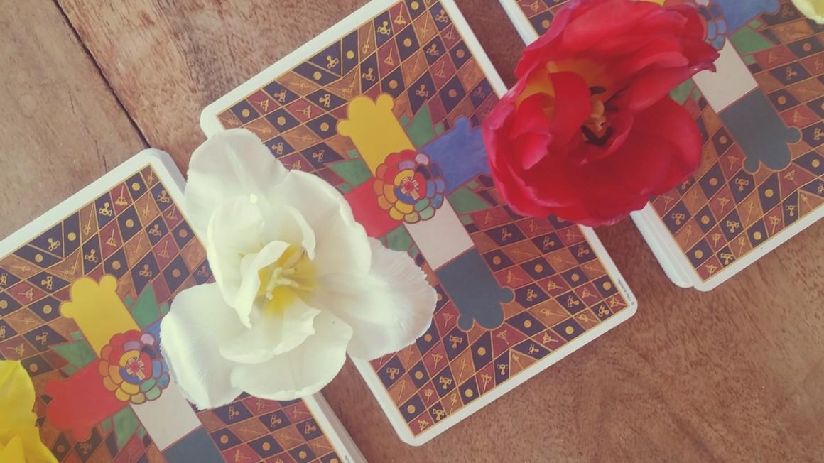 changelicious Tarotkartenlegen Tarot gratis Selbstliebe Transformation Tarotkartenstapel Tarotkarten stapeln Tarotkarten mischen Stapel abnehmen fragen Fragenstellen Tarot