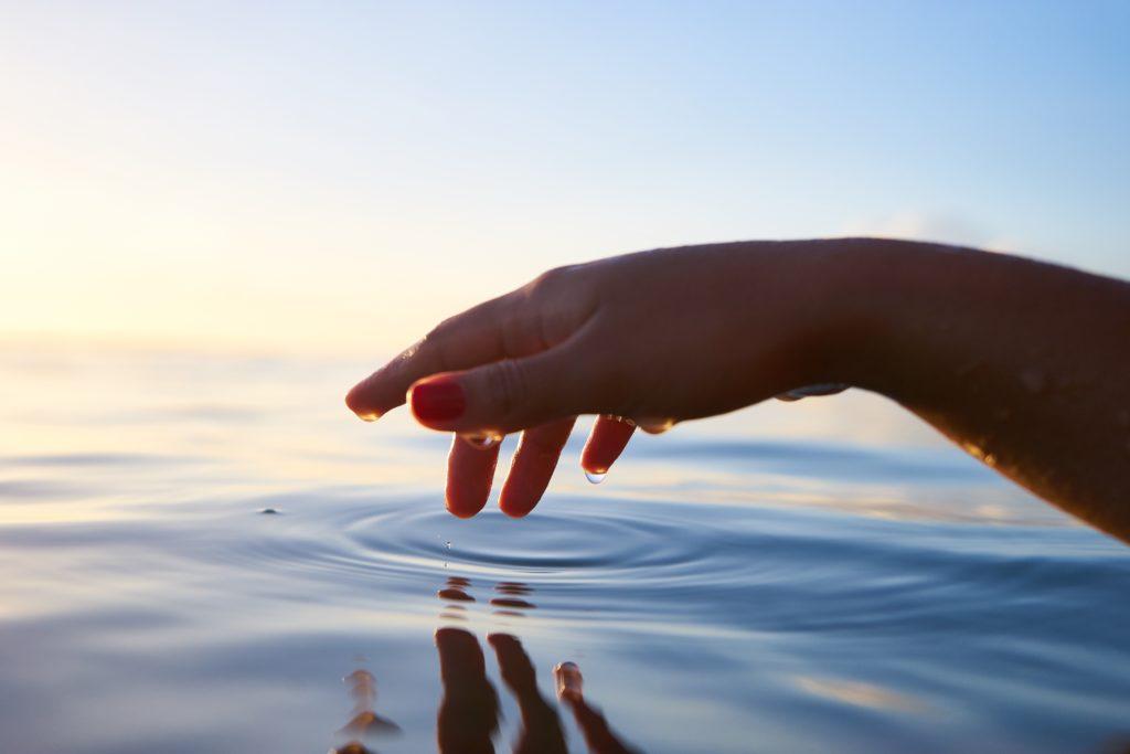 Melinda Cange, Spirit Coaching, Soul Styling, wahre Intelligenz, Universum, Verbindung, Wendepunkt, Geist, Geh in dich, connection, Verbindung, Einklang, Urvertrauen, Leben, Verteidigungshaltung, Vortex, Eingebungen, holistisch Gesellschaft, Magie, Magie spüren, Feinstofflich, selbstbewusst, universellen Kraft, Verschmelzen, Spiritualität , Gefühlskompass, innere Weisheit, Mademoiselle Tarot,